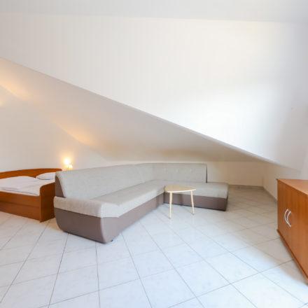 Apartment B6 image 0