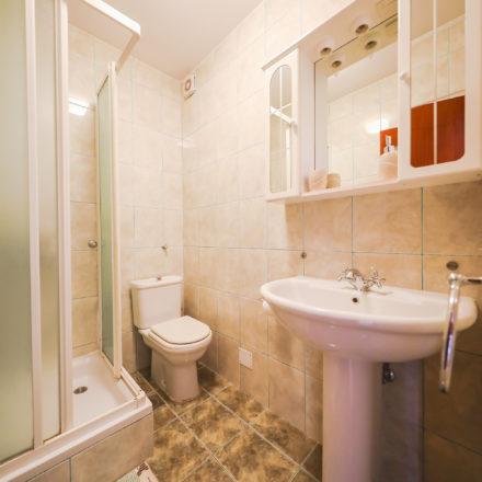 Apartment B4 image 10