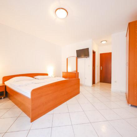 Apartment B4 image 3