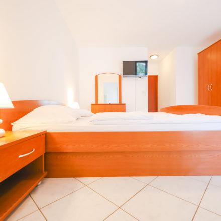 Apartment B4 image 2