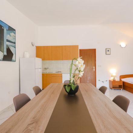 Apartment B6 image 8